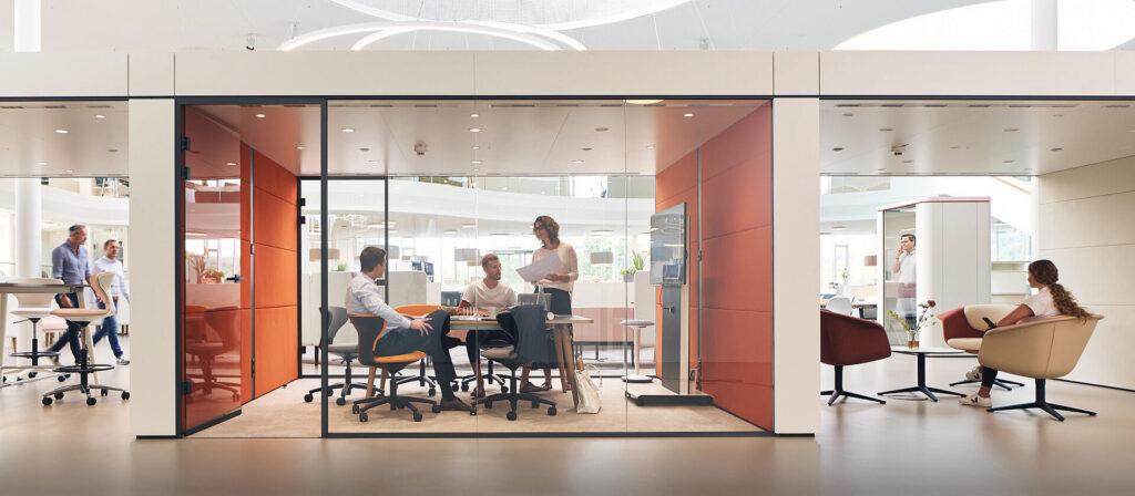 Progetta il tuo ufficio in modo da avere aree riunioni e zone dove poter lavorare da soli e concentrarsi