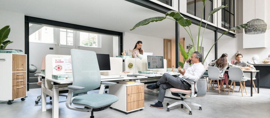Un ufficio ben progettato dove migliorare la qualità del lavoro nella tua azienda stimolando la comunicazione e la generazione di idee